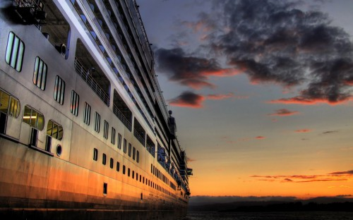 Ships_Cruise_at_sunset_015791_